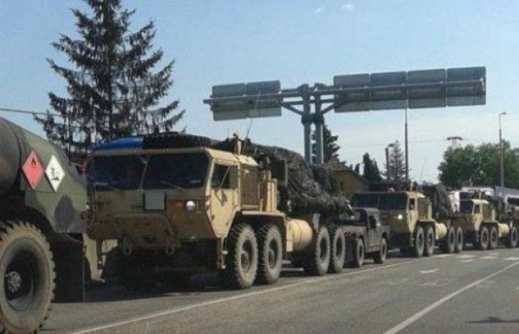 Як колона військової техніки НАТО йшла дорогами Закарпаття (ВІДЕО)