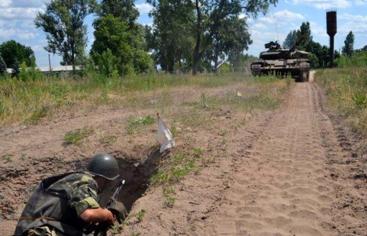 Близько 70 молодих солдатів обкатали танком (ФОТОФАКТ)