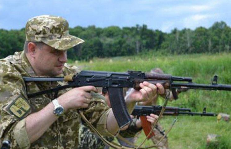 Губернатор Сумщини узяв до рук зброю