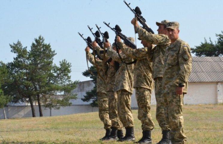 Військові та рідні вшанували пам'ять загиблих у ІЛ-76 десантників (ФОТО)