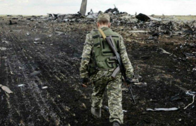 """Напередодні """"Боїнга"""": Рік тому бойовики """"ЛНР"""" збили Іл-76 з 49 десантниками на борту (ФОТО, ВІДЕО)"""