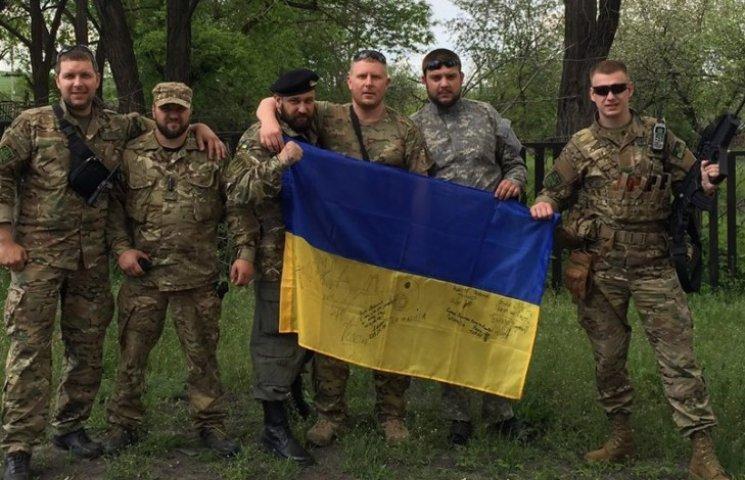 """""""Укропи""""-добровольці вимагають відставки генерала-сепаратиста"""