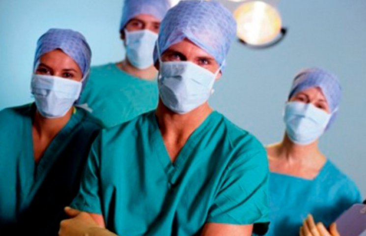 Медичні працівники залізничної лікарні в Ужгороді провели попереджувальний страйк