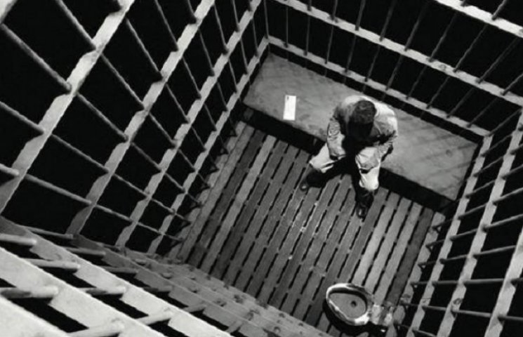 В Запоріжжі россійський вбивця 8-річної дівчинки намагався покінчити життя самогубством