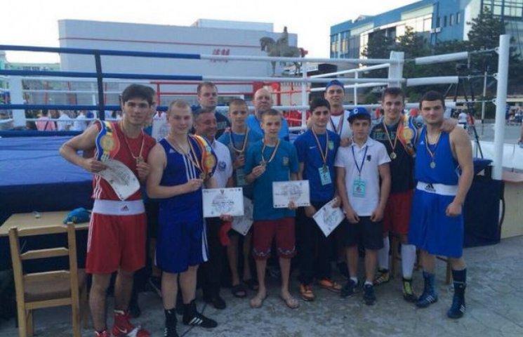 Завдяки хмельницьким боксерам гімн України звучав у Румунії