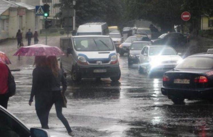 Негода ускладнила рух громадського транспорту в Хмельницькому