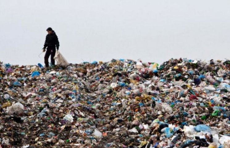 На Ужгородщині люди обурюються через зведення сміттєвого полігону (ВІДЕО)