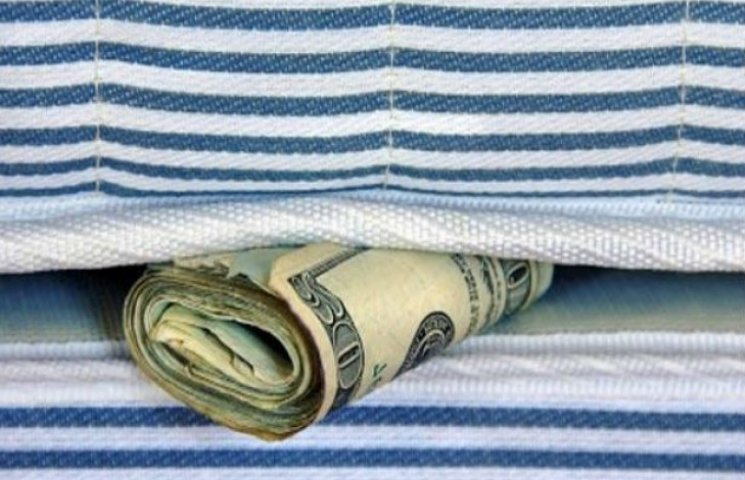 Житель Сумщини не зміг приховати від дружини заначку в 200 тисяч