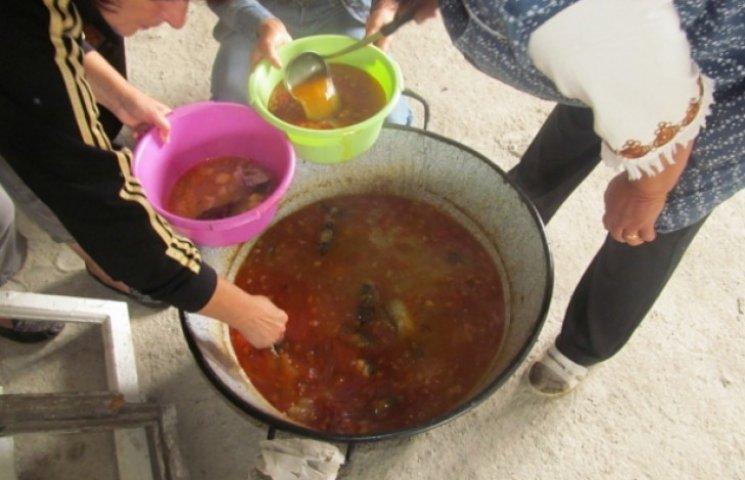 На Закарпатті люди з фізичними вадами влаштували рибальський фестиваль
