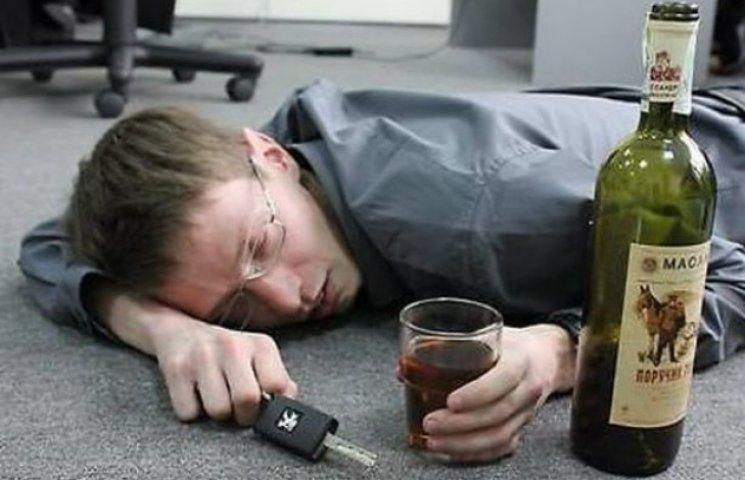 У Немиріському районі п'яний водій збив чотирьох пішоходів. Діти повертались з клубу