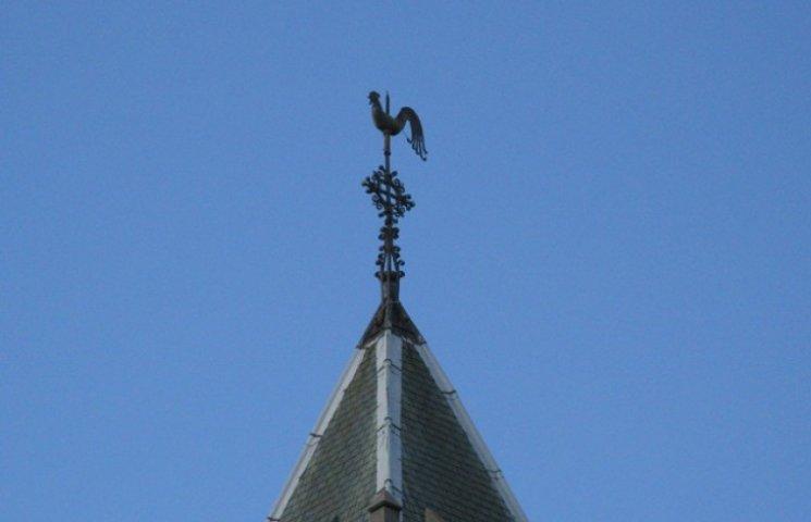 Чому на Закарпатті не кукурікають церковні півні (ФОТО)