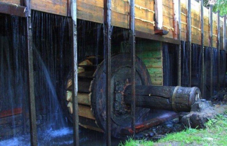 Як вода допомагає закарпатським ковалям кувати залізо, доки гаряче (ФОТО, ВІДЕО)