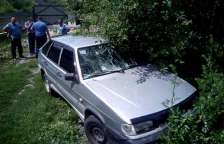 На Хмельниччині водій збив двох жінок і втік