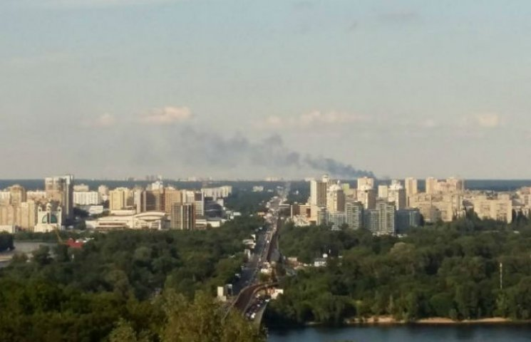 На Київщині знову пожежа: Горів машинобудівний завод (ФОТО)