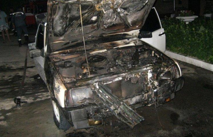 Міліція Сумщини переконує, що згоріле вночі авто не має відношення до журналістки (ФОТОФАКТ)