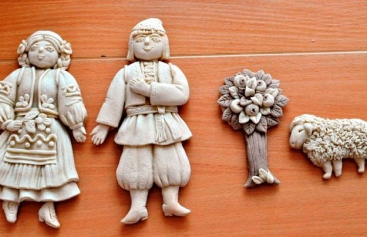 Закарпатські діти поєднали Україну тістом (ФОТО)