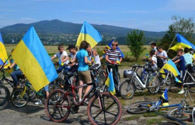 Закарпатські священики організовують велопробіг