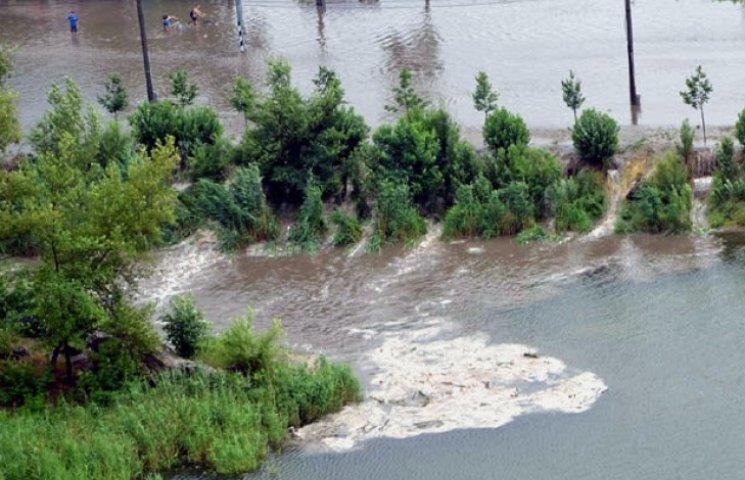 У Запоріжжі пройшла сильна злива (ФОТО)