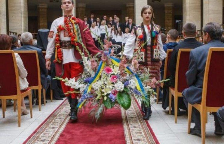 Закарпаття відзначає День Конституції України (ФОТО)