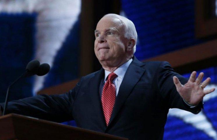 """Маккейн написав про провал Мінських угод і """"кусючого"""" Путіна"""