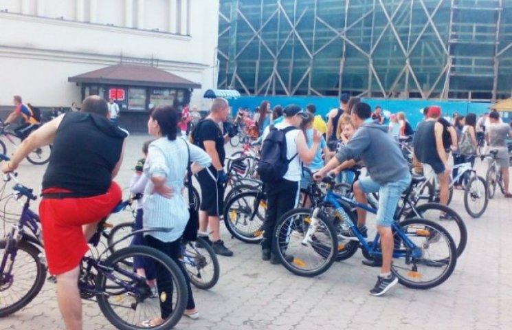 Ужгородські велосипедисти змагалися за сім кілограмів піци