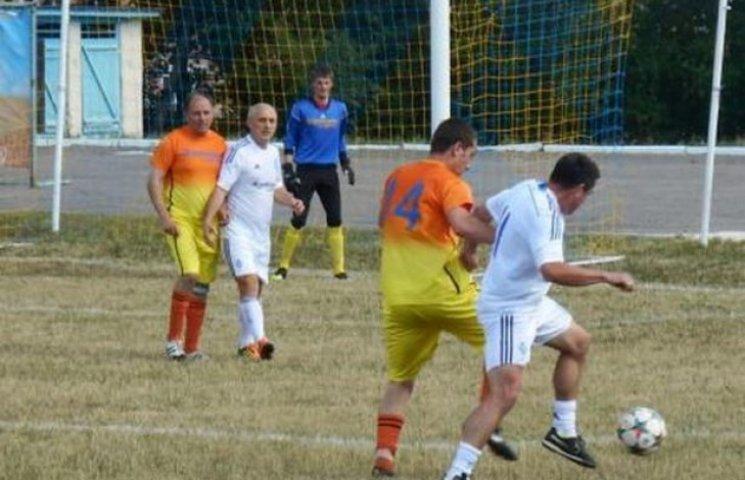 Ветерани українського футболу зіграли матч у Новій Ушиці