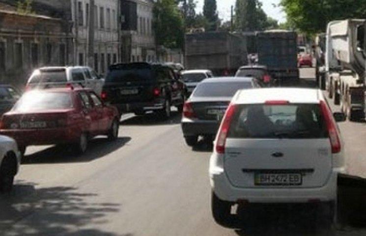 Чергові кілометрові затори в Одесі через ДТП на селищі Котовського
