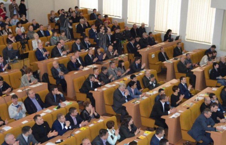 У Миколаєві скликали чергову сесію облради
