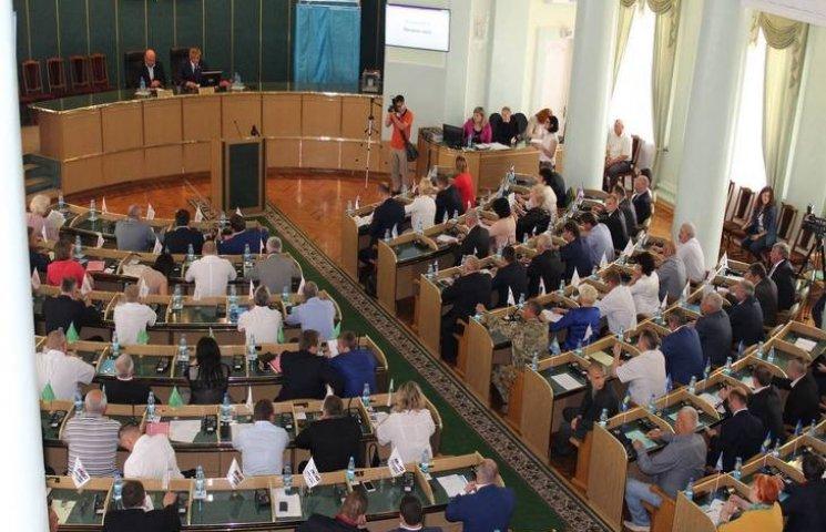 Депутати Хмельниччини дружно відреагували на вимоги мітингуючих