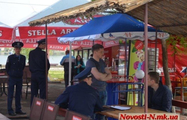 """Миколаївці вимагають повернути """"генделі"""" на Набережну"""