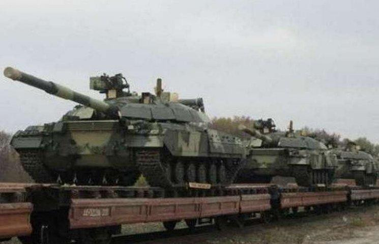 """Бойовик """"ДНР"""" проговорився, скільки танків і окладів їм надсилає Росія"""