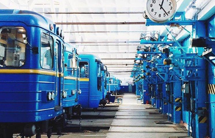 Кличко просить Порошенка та РНБО не віддавати Росії вагони метро