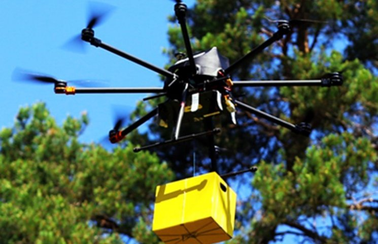 """""""Укрпошта"""" випробувала доставку посилок дронами"""