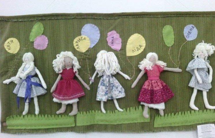 """Юні художники по текстилю показали, що для них """"Світ у клаптику"""""""