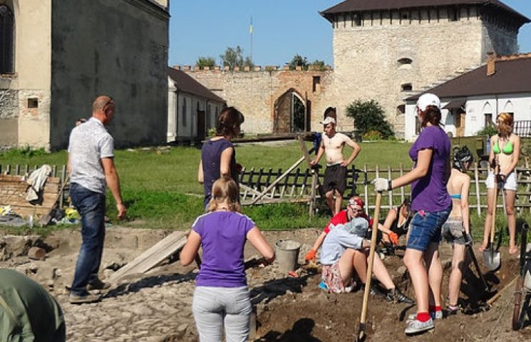 Меджибіжська фортеця розпочала археологічний сезон
