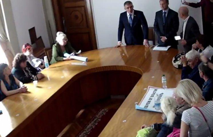 """Мер Миколаєва здався торгашам і наклав мораторій на демонтаж """"будок"""""""