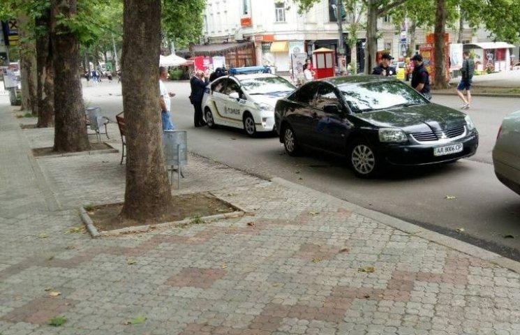 Миколаївський екс-регіонал Єропунов колесив по пішохідній Соборній