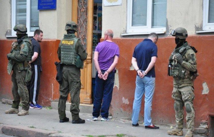Чернівецька прокуратура перевірить законність затримання пятьох осіб