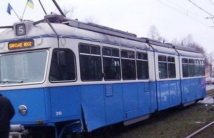 """Цього вікенду трамваї №2 та №5 йдуть на """"літні канікули"""""""