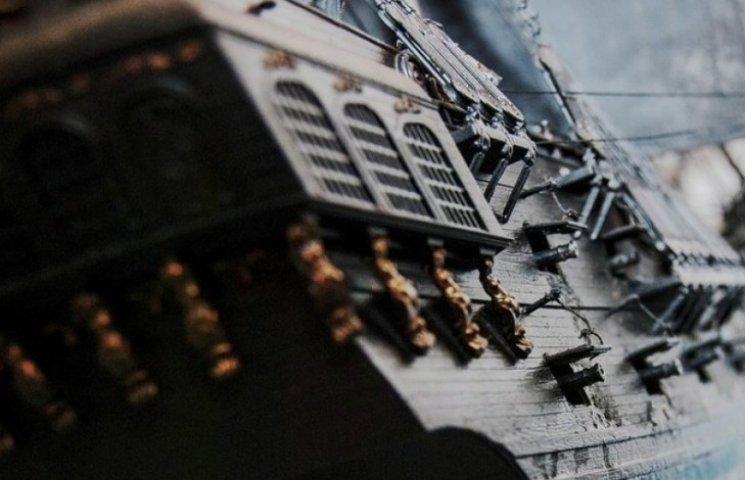"""До Одеського порту завітала на ремонт вінтажна """"Чорна перлина"""""""