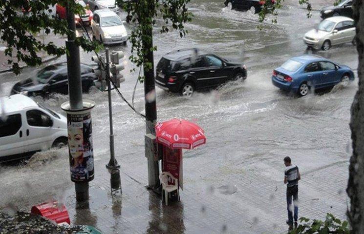Поліція Одеси та області допомогатиме громадянам у пробемах з повінню