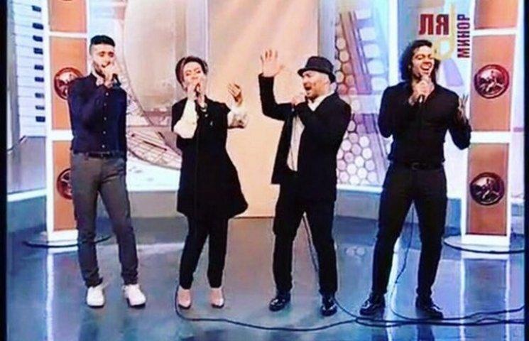 Вінничанам пояснили, як телеканал душевних пісень загрожує нацбезпеці країни