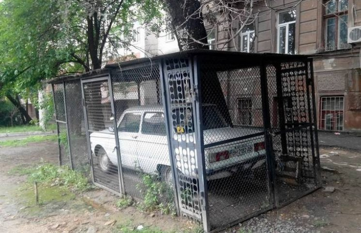 """В Одесі лютий """"Запор"""" утримується за гратами"""