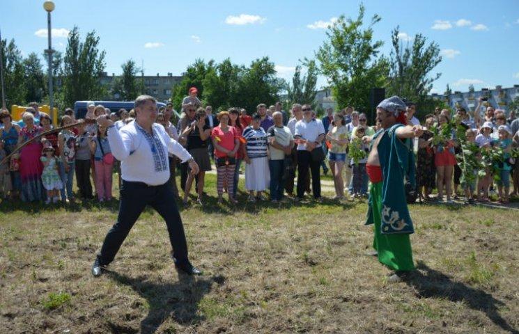 Як Сєвєродонецьк святкував День народження Луганщини: губернатор вправлявся з батогом (ФОТО)
