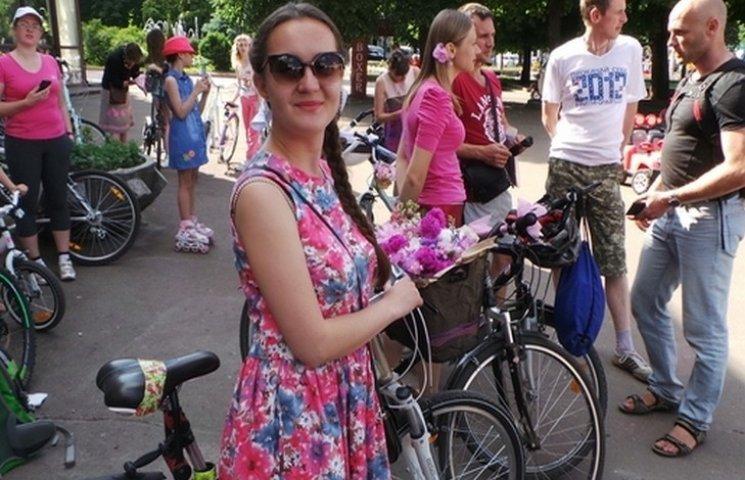 """Хмельницьким прокотився """"рожевий"""" велопарад"""