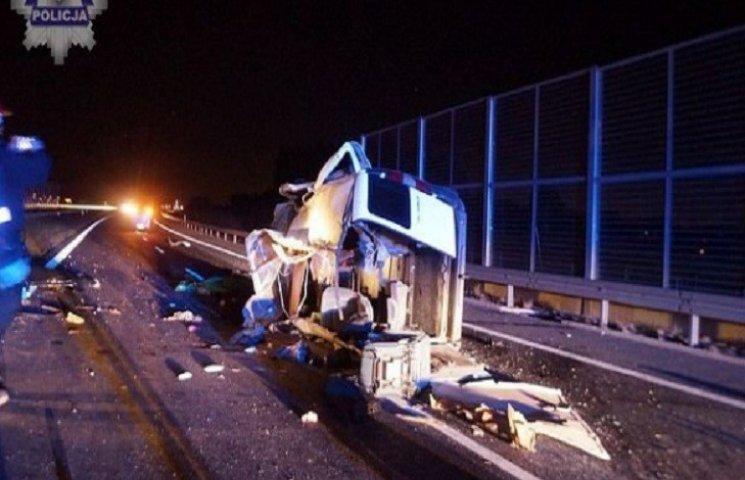 В Польше разбился автомобиль с украинцами: трое погибших