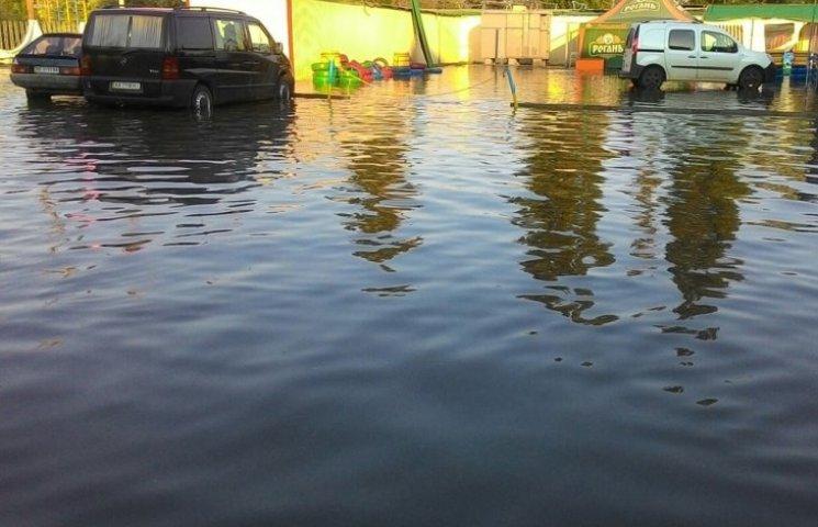 Миколаївський курорт Коблево пішов під воду