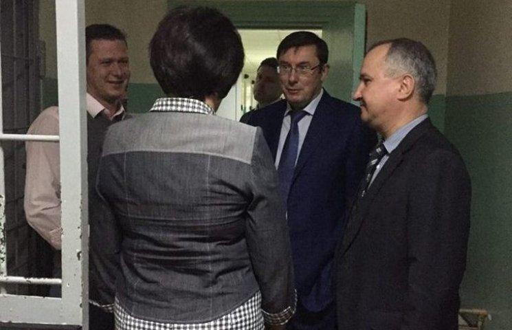 Луценко не знайшов підпільних катівень і необлікованих в