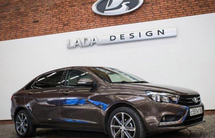 На Росії тестують лімузин для бідних Lada Vesta Signature