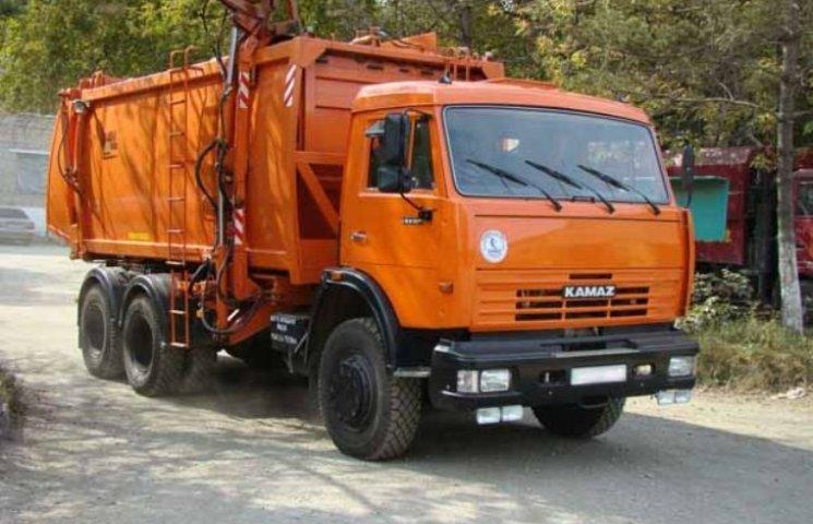 У Миколаєві стало відомо, хто вивозитиме сміття у всіх районах